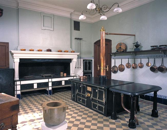 patrimoine de la ville d 39 arles. Black Bedroom Furniture Sets. Home Design Ideas